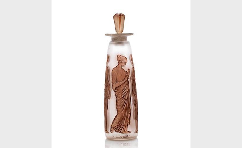 Флакон Lalique, созданный для аромата Ambre Antique