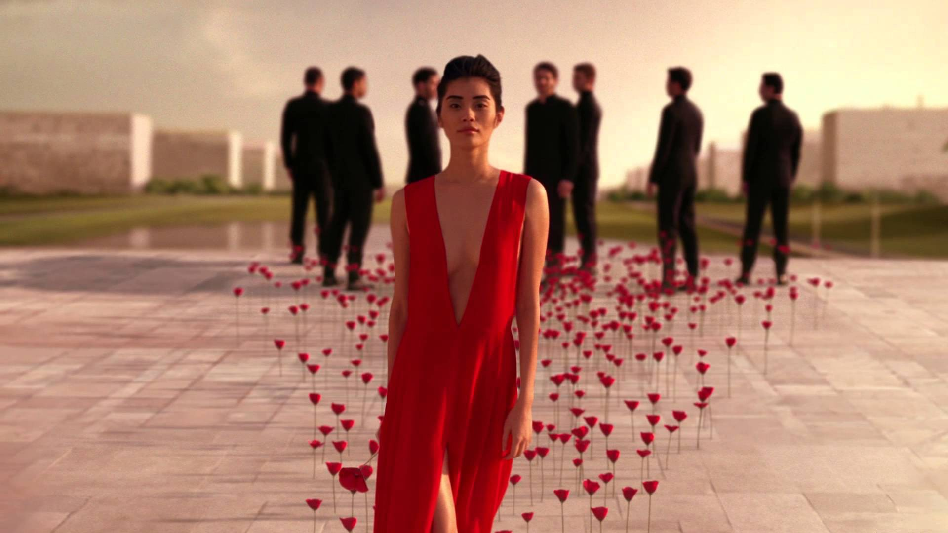 Кадр из рекламной кампании Flower by Kenzo L'Elixir с Минг Си