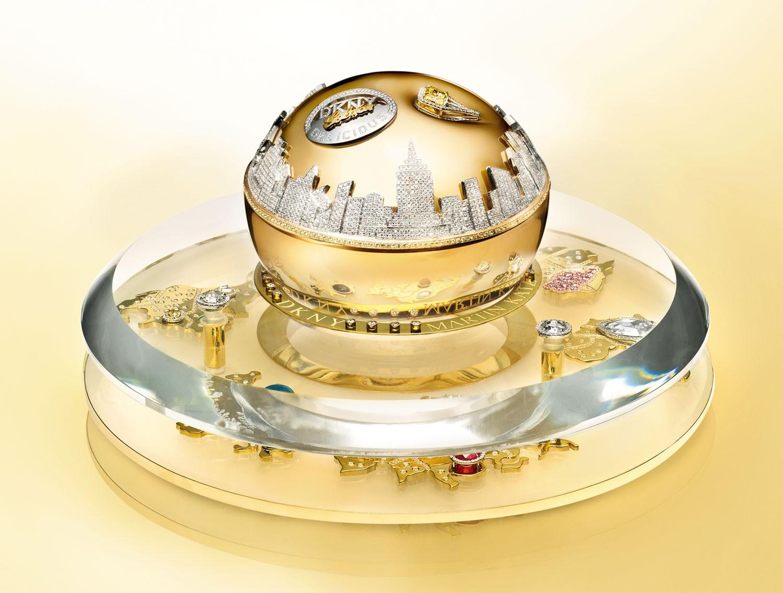 Флакон аромата DKNY Golden Delicious стоимостью 1 миллион долларов