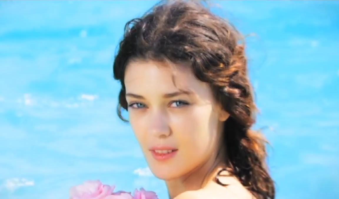 Диана Молдован в рекламе аромата Cool Water Woman Sea Rose 2013 года