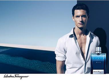 Постер Salvatore Ferragamo Acqua Essenziale Blu
