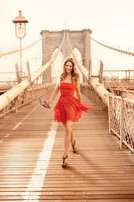 Постер Avon Little Red Dress