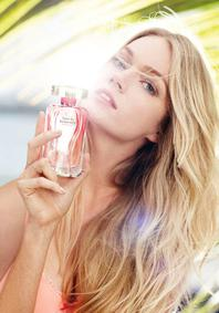 Постер Victoria's Secret Love is Heavenly