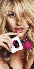 Постер Victoria's Secret Love Me