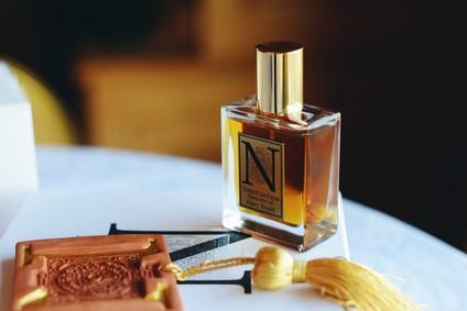 Постер Nimere Parfums Sonnets Of Mary Stuart