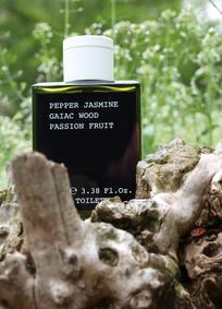 Постер Korres Pepper Jasmine Gaiac Wood Passion Fruit