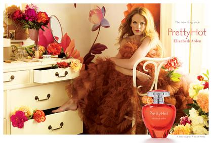 Постер Elizabeth Arden Pretty Hot