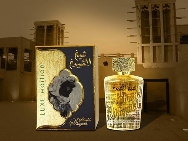 Постер Lattafa Perfumes Sheikh Al Shuyukh Luxe Edition